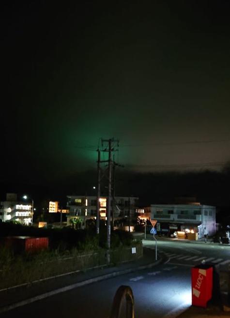 Q.石垣島で夜空が緑色です。なんですか?